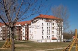 Pécs, 30 lakásos garzonház, Littke utca