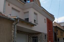 Pécs, Nyíl utca lakóépület