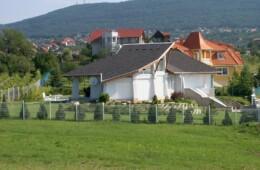 Pécs, Zurna dűlő lakóépület