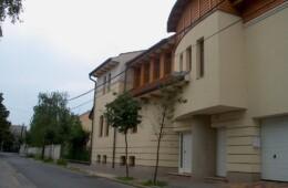 Siófok, Magánklinika és lakóépület
