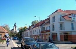 Szentgotthárd, 26 lakásos lakóház üzletekkel